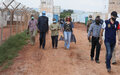 Bangui - Le chef de la MINUSCA et le Ministre de la santé visitent le centre d'isolementàMpoko