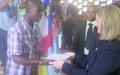 Projet CVR Bangui : 543 ex-combattants reçoivent leurs certificats de fin de formation
